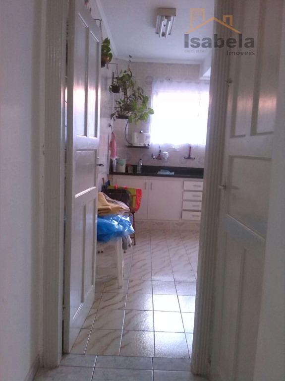 sobrado conservado excelente localização, com 2 dormitórios, sala espaçoso, cozinha grande com armários, dependência de empregada,...