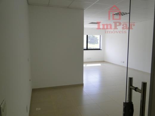 Sala comercial para venda e locação, Lagos de Santa Helena, Bragança Paulista.