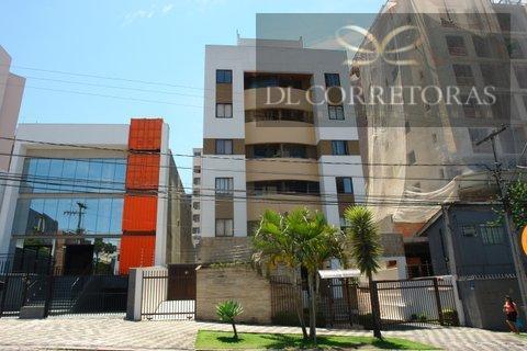 *dlcorretoras oferece para venda apartamento no centro, curitiba.*rua tranquila, próximo ao mercado municipal e praça do...