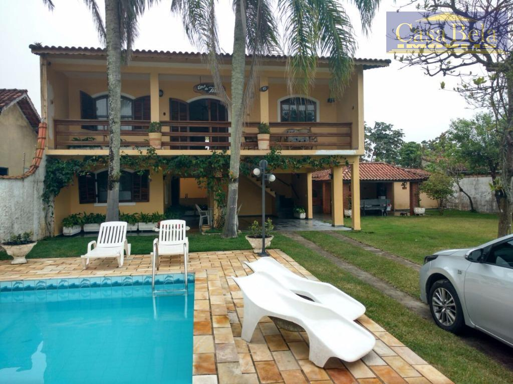 Oferta: Linda Casa com piscina, terreno de 900m2 e area construida de 500m2 , Jardim Belas Artes, Itanhaém.