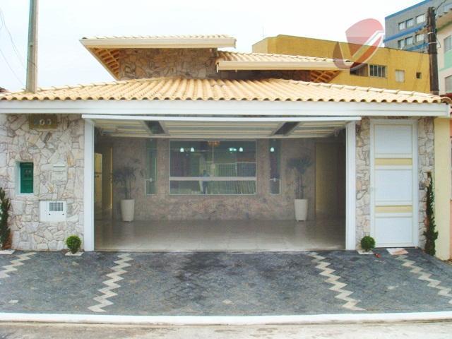 Casa nova, na Vila caiçara, com 3 dormitórios e piscina!!!