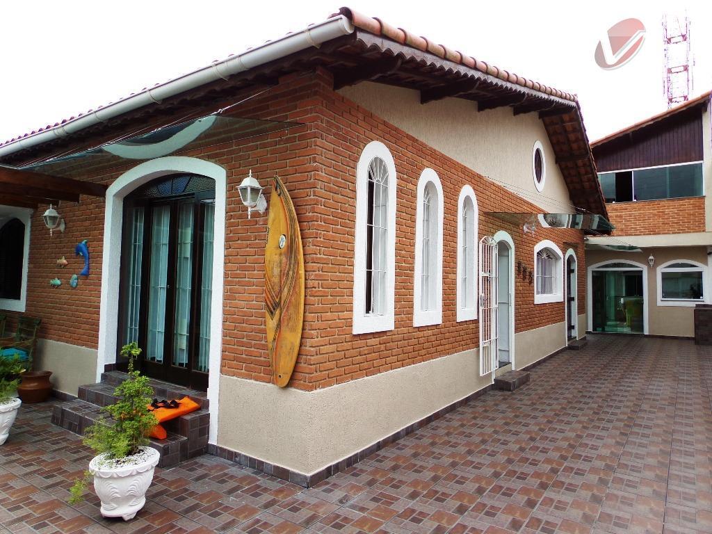 Casa de revista, com 3 dormitórios em Solemar, Praia Grande.