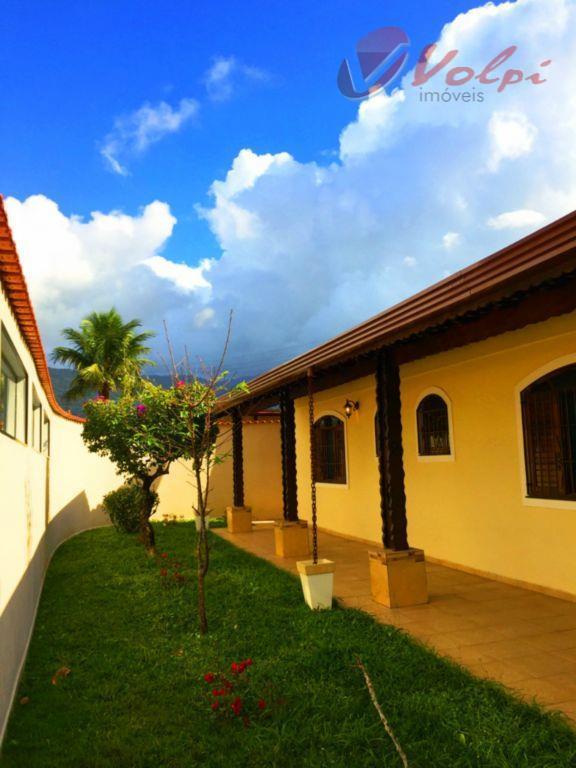 Casa com 3 dormitórios, 1 suíte e lindo quintal no balneário Flórida!