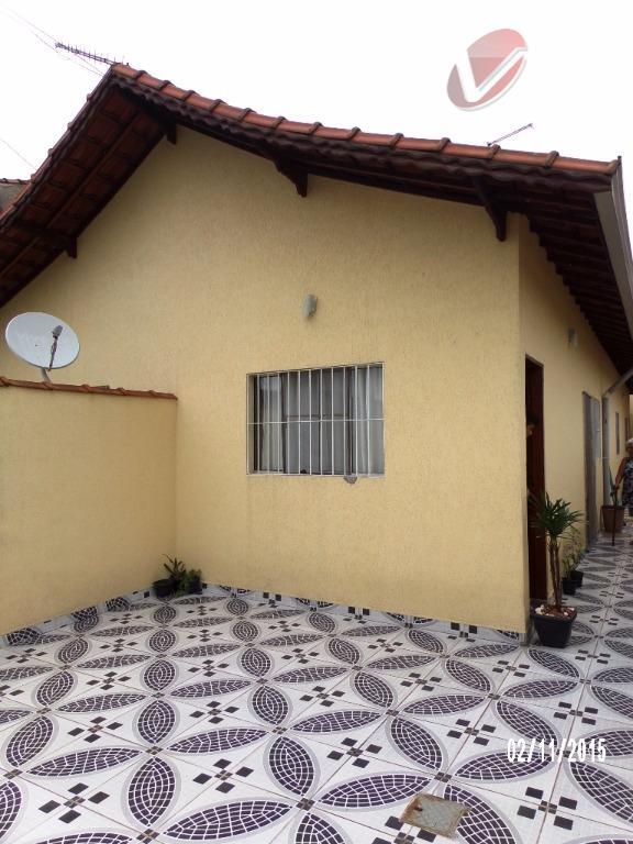 Casa  com 2 dormitórios, no Jd. Princesa, semi-nova em Praia Grande!