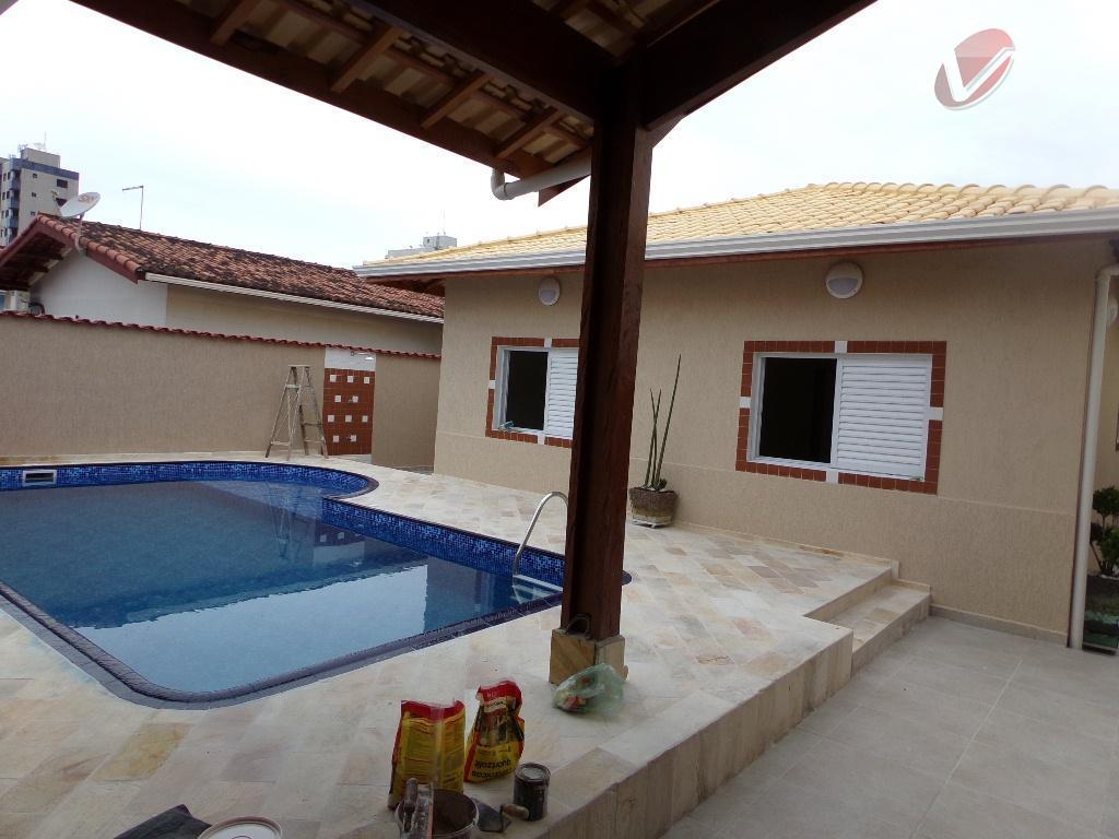 Casa com 3 dormitórios, sendo 2 suítes, mais edícula com suíte e cozinha, Jd. Imperador, Praia Grande - Lindíssima!