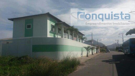 apartamento com 2 dormitórios; sala; cozinha; banheiro social; área de serviço. próximo à praia e condução....