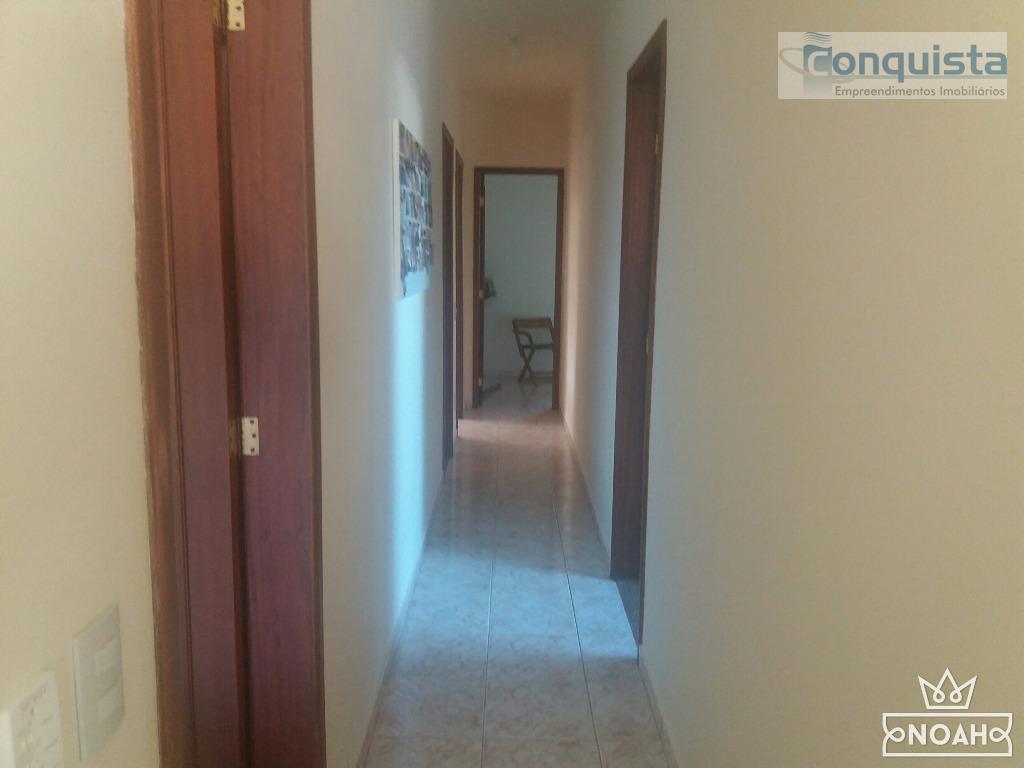 excelente localização! casa com 3 dormitórios sendo 1 suíte; sala; cozinha; banheiro social; varanda; área de...