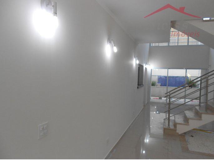 Sobrado 340 m²- 5 suítes, 2 master com closet, hidromassagem, living 4 ambientes