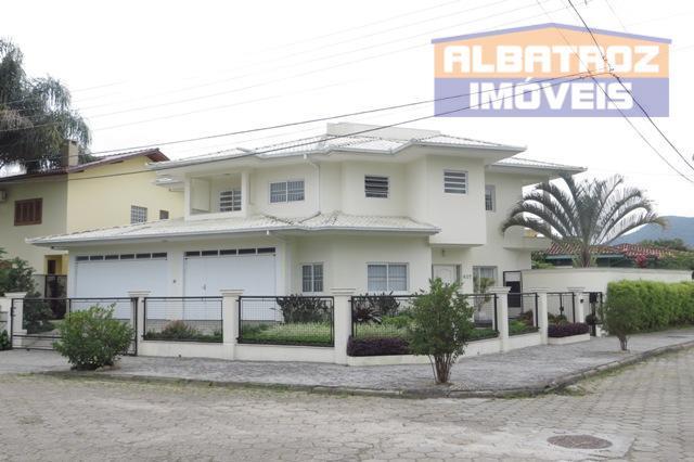 Próximo a UFSC, excelente residência, Jardim Anchieta, Florianópolis.