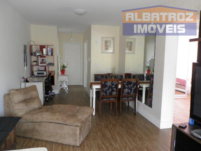 Excelente apartamento, finamente mobiliado, localização privilegiada em Florianópolis