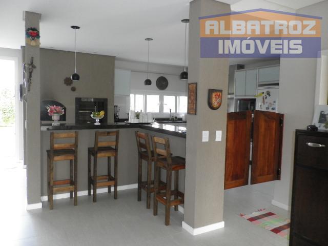Excelente residência com 4 suítes em condomínio fechado no Campeche, Florianópolis, SC