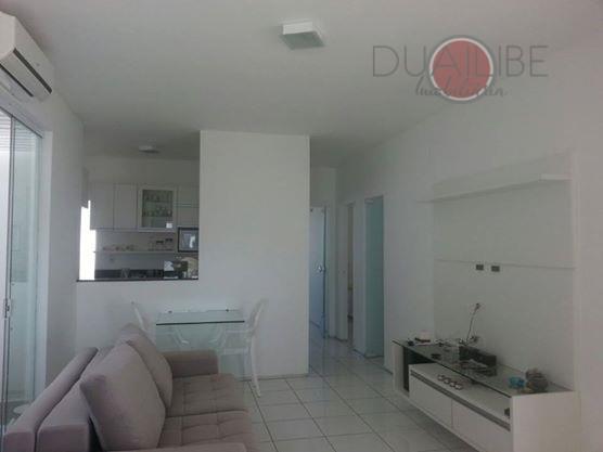 casa com 03 quartos, sendo um suíte, sala, lavabo, cozinha com armários, garagem para dois ou...