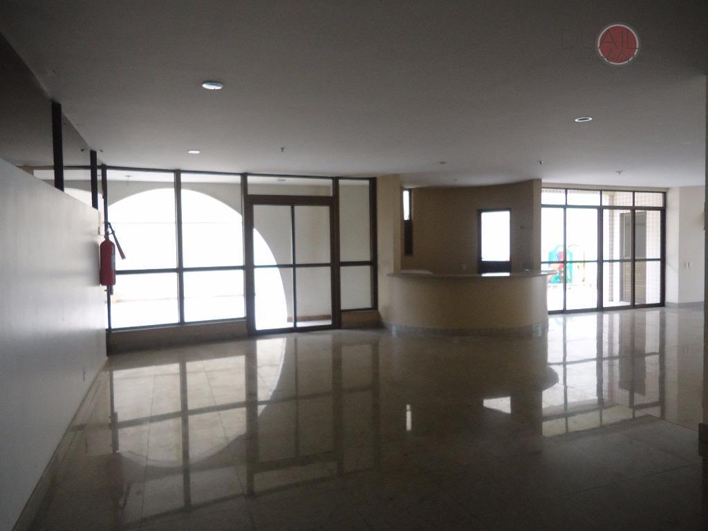Apartamento à Venda no Ed. Ferrara com 3 dormitórios, 115 m² por R$ 550.000 - Jardim Renascença - São Luís/MA