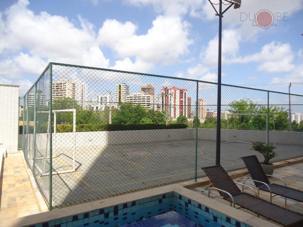 apartamento de 192m² com vista para o mar, distribuído em 03 ambientes de sala, varanda ampla,...