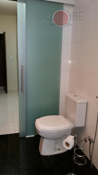 para clientes exigentes e com muito bom gosto.casa com 2 pavimentos/ lado praia /armários projetados de...