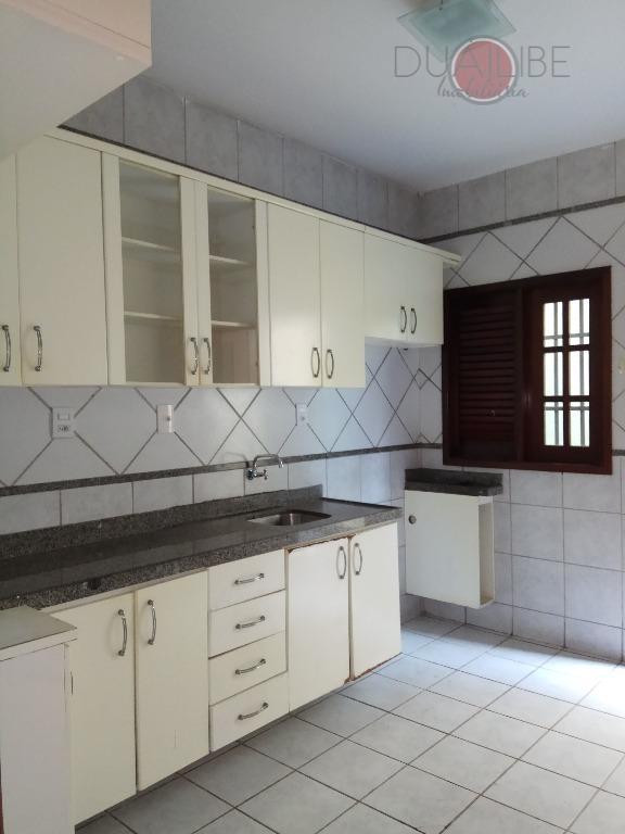 casa térrea com 03 quartos, sendo 01 suite, wc social, dec, piscina privativa e 04 vagas...