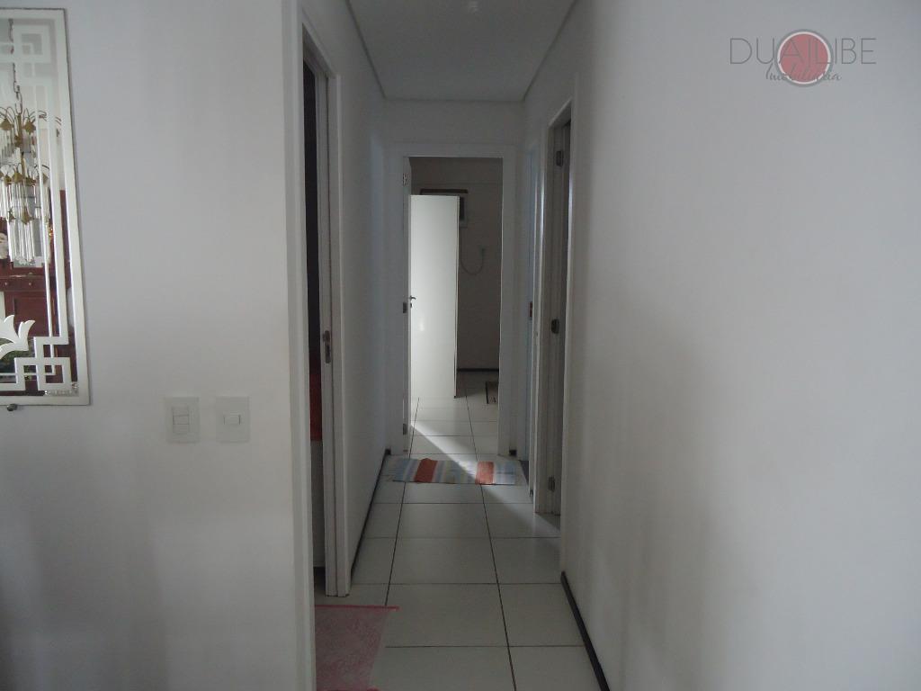 apartamento de 115,48 m², com 01 suíte, 01 semisuite, 01 quarto, salas (estar e jantar), varanda,...