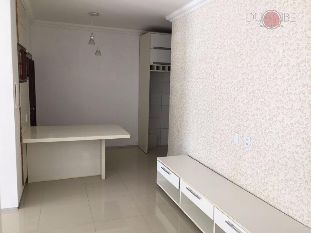 área de lazer privativa (churrasqueira e quintal), cozinha de apoio, quartos e suíte, porcelanato, local silencioso...