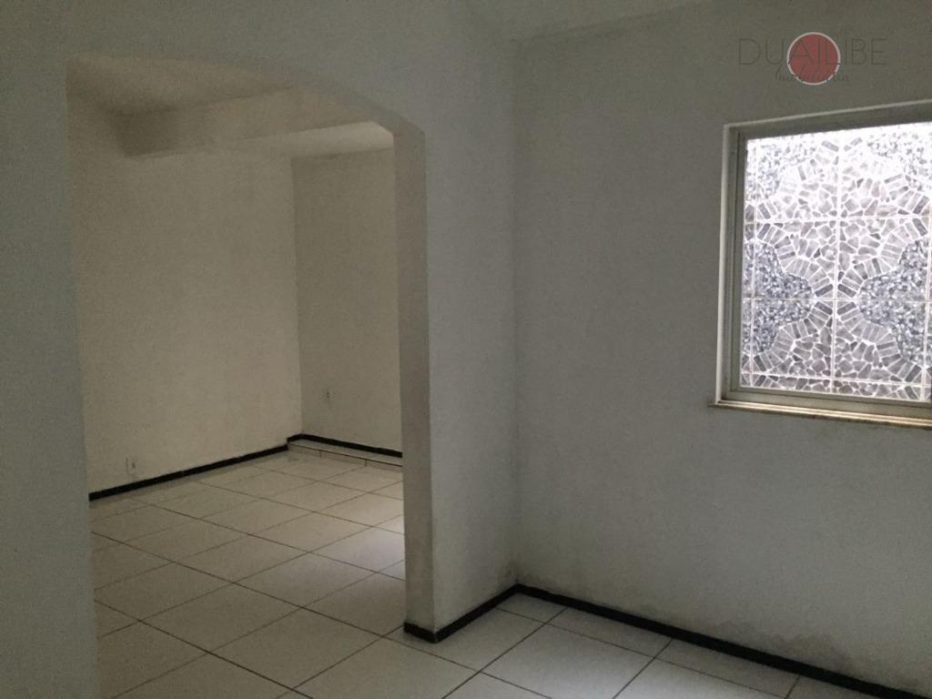 casa à venda, forquilha,com 03 quartos, 02 vagas, lavanderia e muito mais para seu conforto.