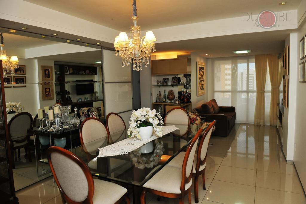 Apartamento Residencial Edifício Monte Pascoal à venda.