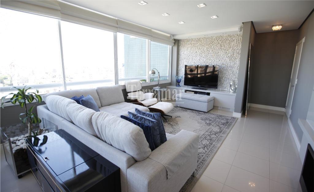 Apartamento com 3 dormitórios à venda, 196 m² por R$ 1.500.000