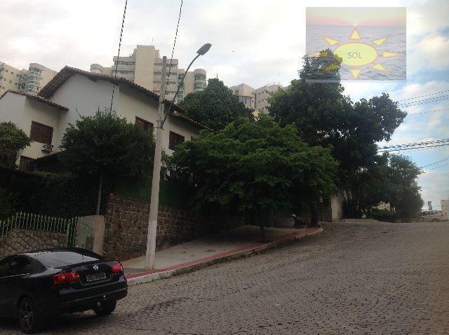 Casa residencial à venda, Barro Vermelho, Vitória.