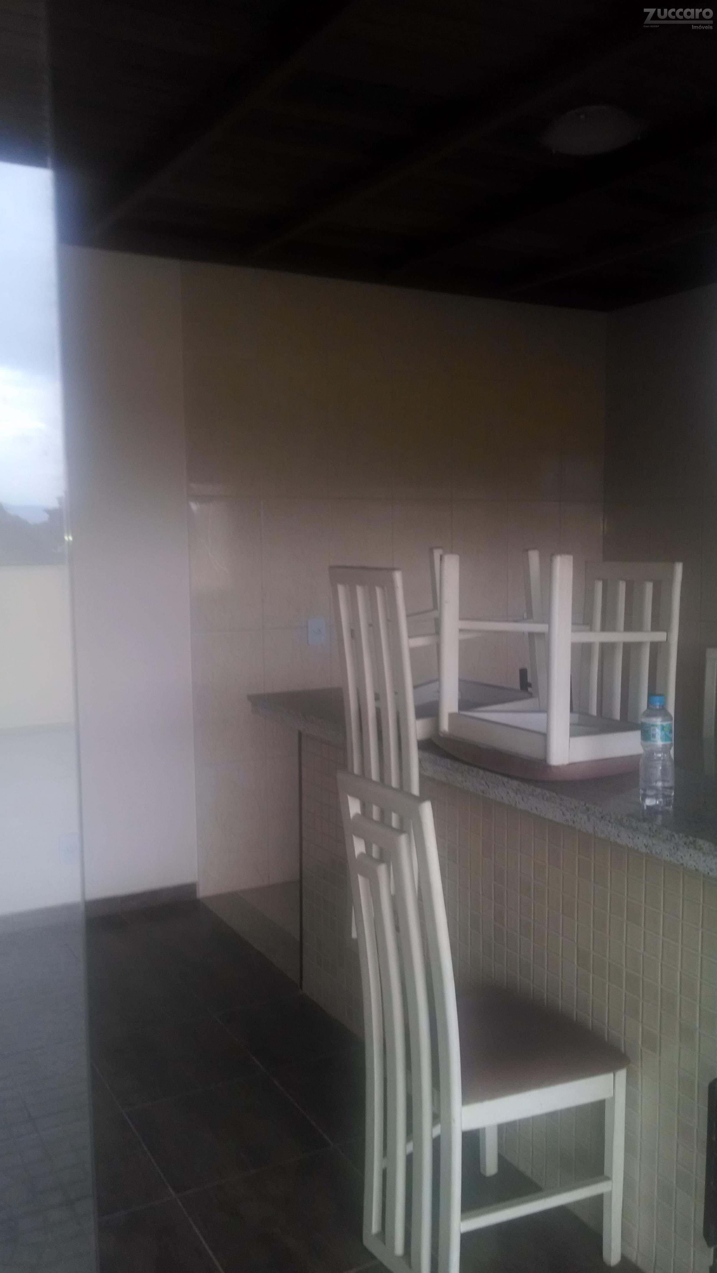 04 andares, cozinha, w,c, último andar com elevador corretor: carlos 98020-5085