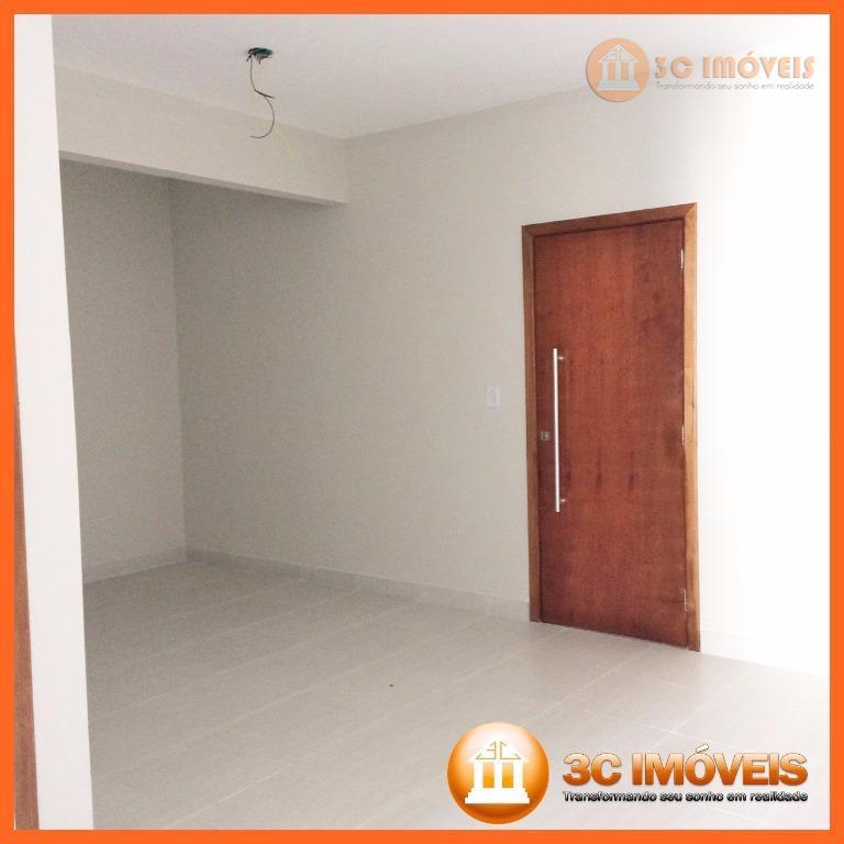 apartamento de 2 dormitórios e 1 vaga de auto, totalmente reformado e com amplo espaço gourmet...