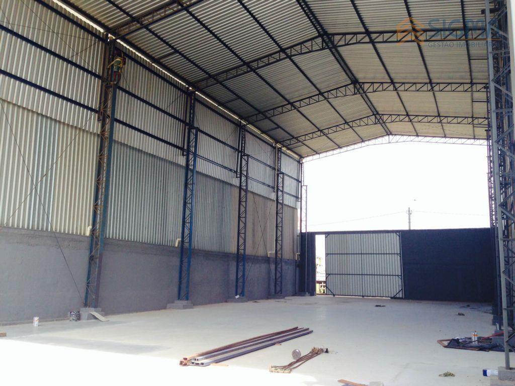 1000m² de área600m² de galpão50m² de escritório. acesso  a rj106, linha verde e linha azul.aceita propostas!