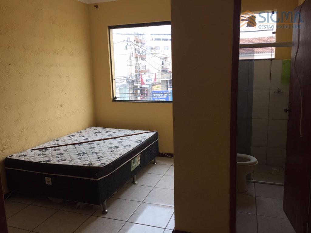 lofts com excelente preço no centro, próximo a tudo que você precisa, ponto de ônibus, padarias,...