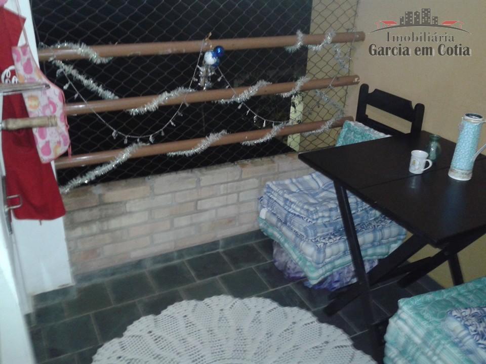 apartamento rico em detalhes com 02 dormitórios e varanda com churrasqueira.cozinha,dormitórios,banheiro e área de serviço com...
