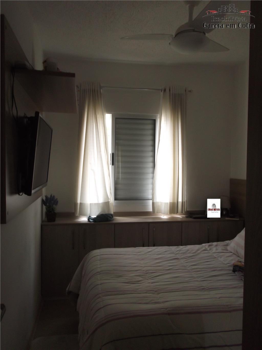 excelente apartamento semi mobiliado com 02 dormitórios ambos com móveis planejados, piso laminado, sala com painel...
