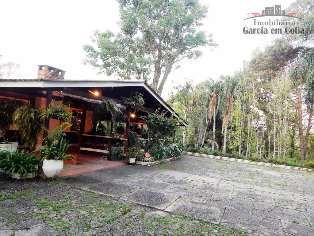 casa típica da granja vianna, em terreno muito bem localizado com 5.650m2, sendo 1.200m2 de pomar...