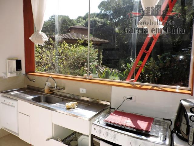 em condomínio tradicional de alto padrão, com áreas de lazer e clube completo; projeto moderno com...