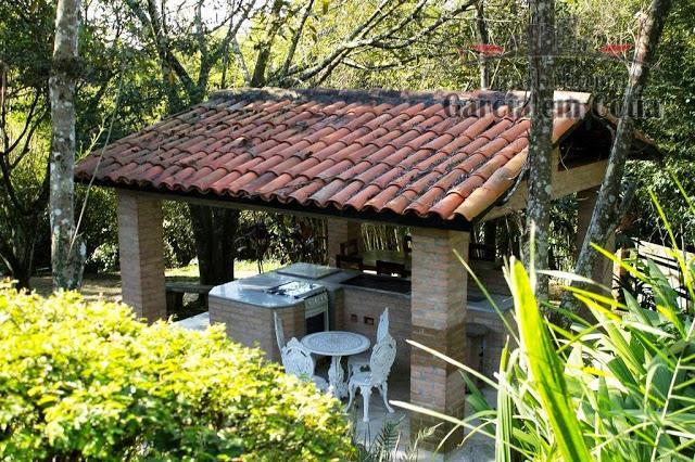 Casas a venda em Embu das Artes SP - Condomínio Vila Real Moinho Velho - Térrea, impecável, terreno 6.370 m²