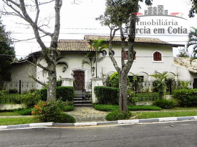 Casas a venda em Cotia SP - Condomínio Parque Dom Henrique II - Ampla, espaçosa e com lazer!