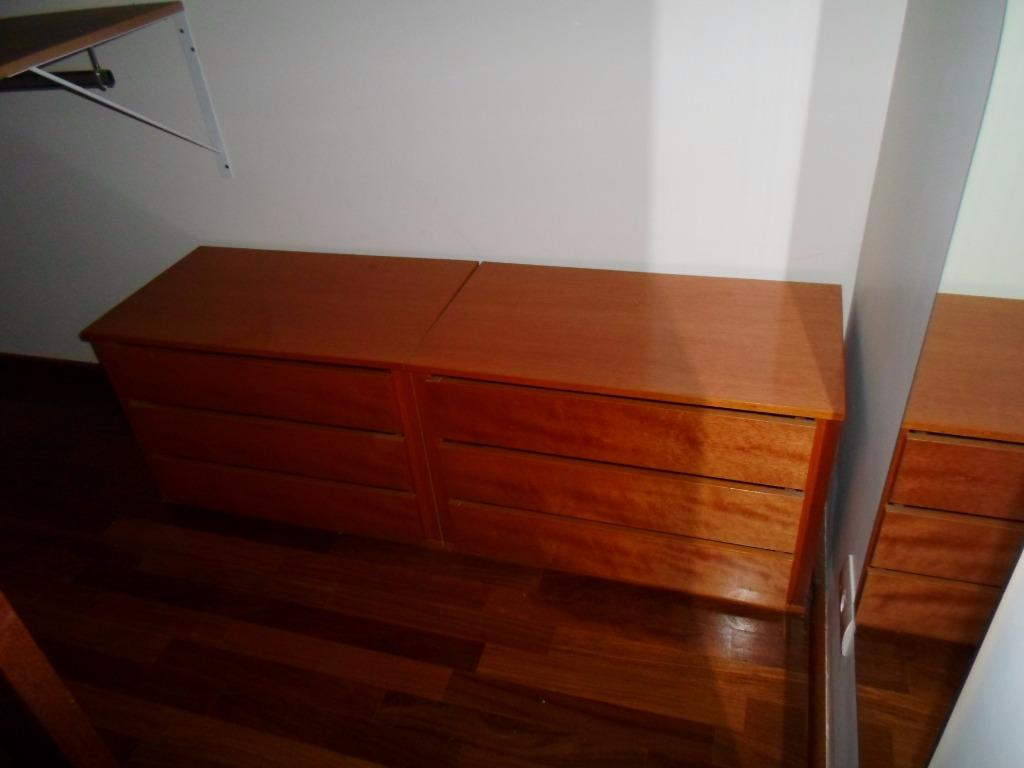 excelente casa com 03 suítes sendo uma padrão americano, todas com varanda e tacão de madeira...