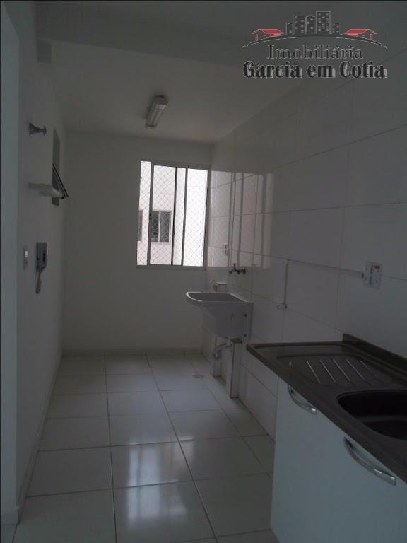imóvel com 02 dormitórios, sendo 01 suíte, sala de estar, varanda gourmet, cozinha com armário, banheiro...