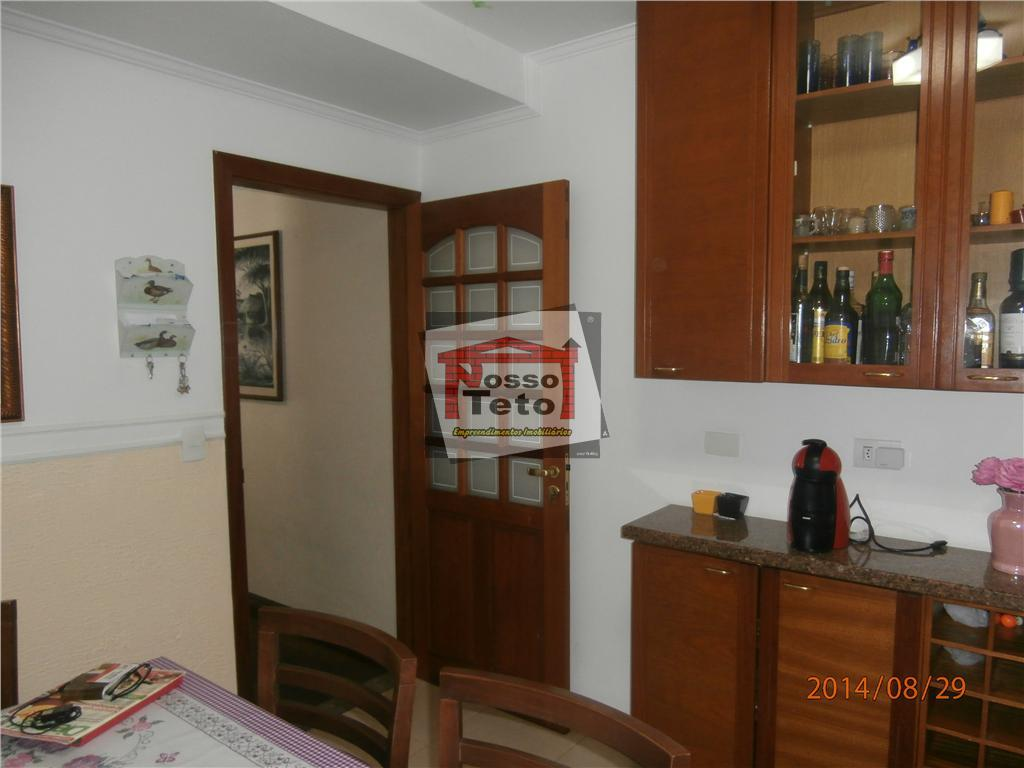 ótimo sobrado!!! excelente localização. sendo 4 dormitórios grandes, 1 suíte, closet, salão com churrasqueira, despensa, 3...