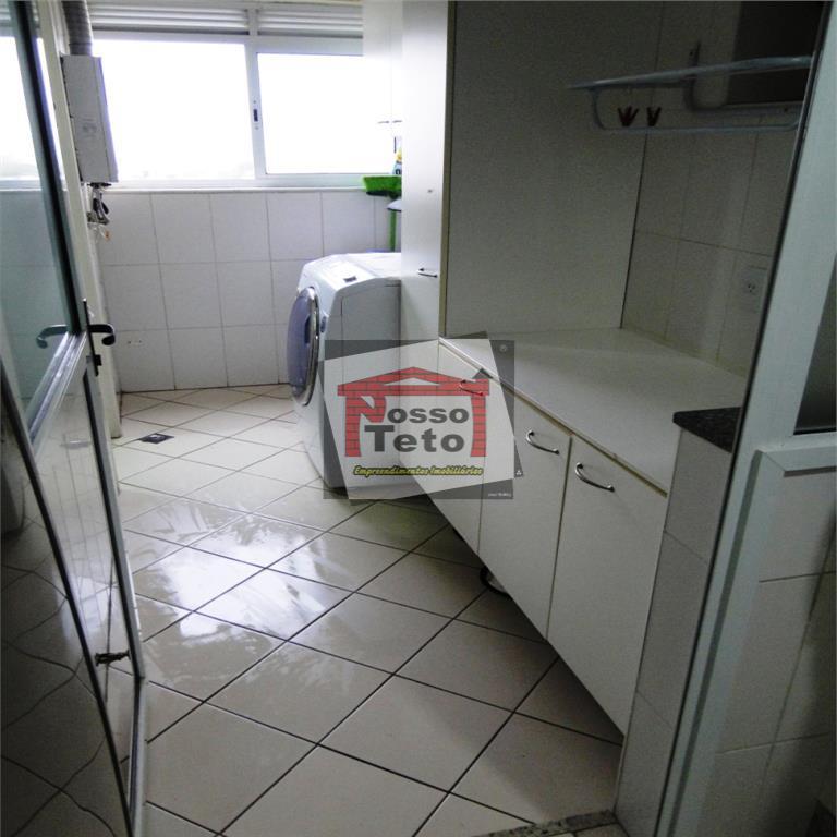 Apartamento de 2 dormitórios em Alto De Pinheiros, São Paulo - SP