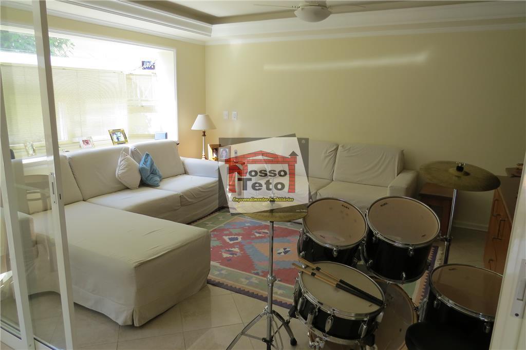 belíssima casa com 04 suítes com closet, 02 salas de estar,sala de jantar, home, lavabo, copa...