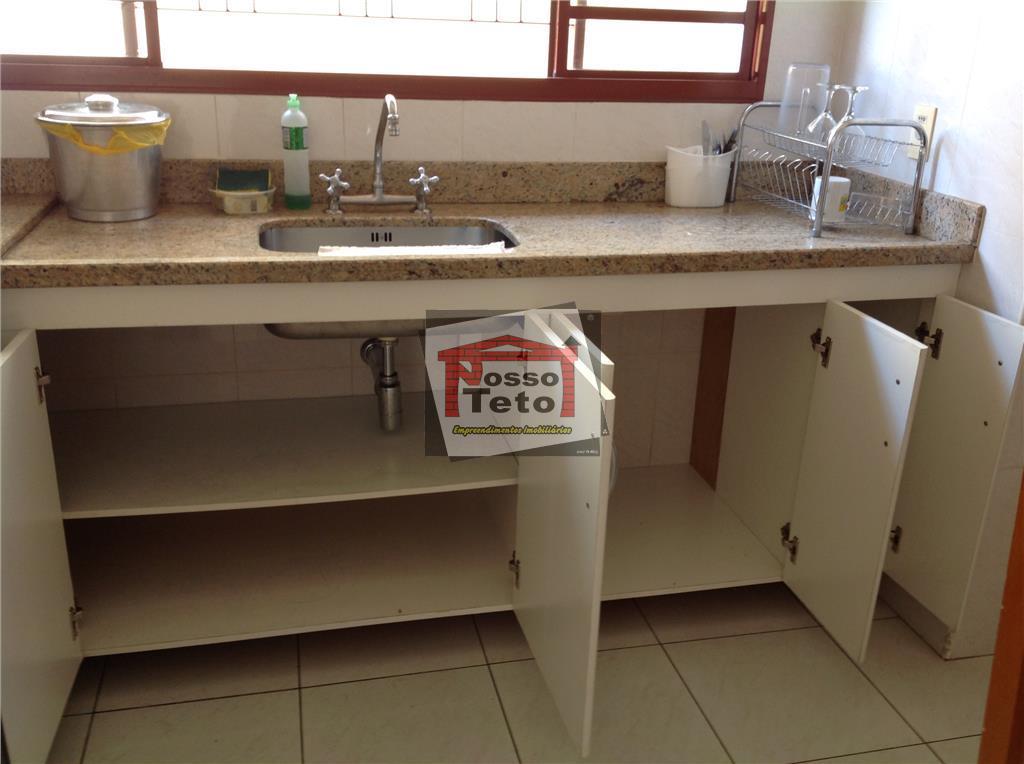 casa com 3 dormitórios sendo 1 suíte máster, sala 2 ambientes, lavabo, escritório, cozinha planejada, despensa,...