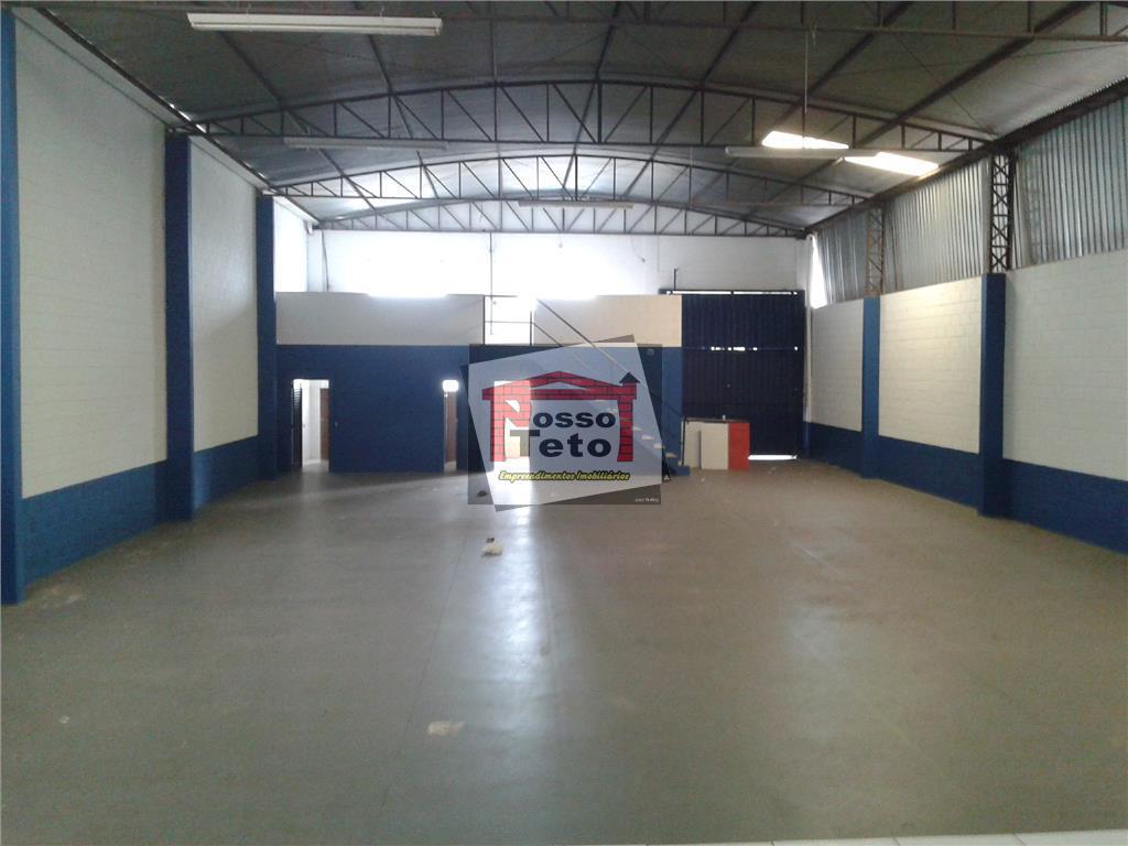 galpão comercial e industrial com 405m² de construção, com recepção, mezanino, 2 vestiários, patio externo, e...