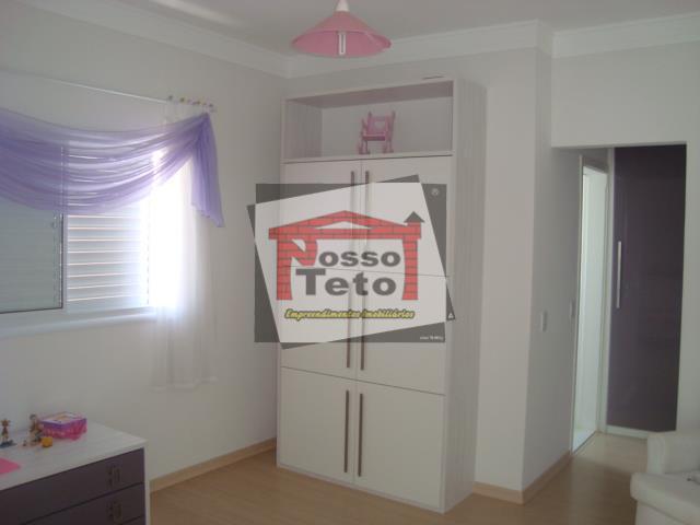 bela casa com 4 dormitórios sendo 3 suítes com closet, sacada e a/e, sala 2 ambientes...