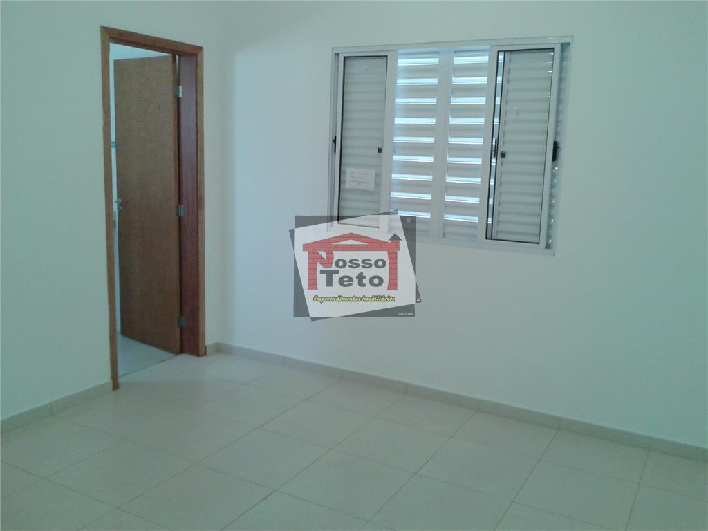 casa térrea, sala ampla 2 ambientes, iluminada, cozinha, lavanderia, 3 dormitórios, sendo 2 suítes,uma com closet,...