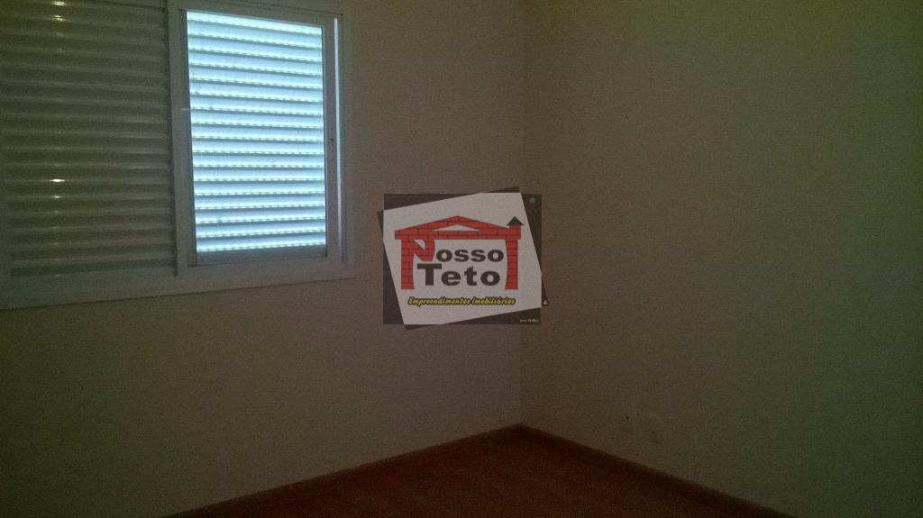 casa nova com 3 suítes, sala 2 ambientes, lavabo, cozinha americana, despensa, amplo quintal.
