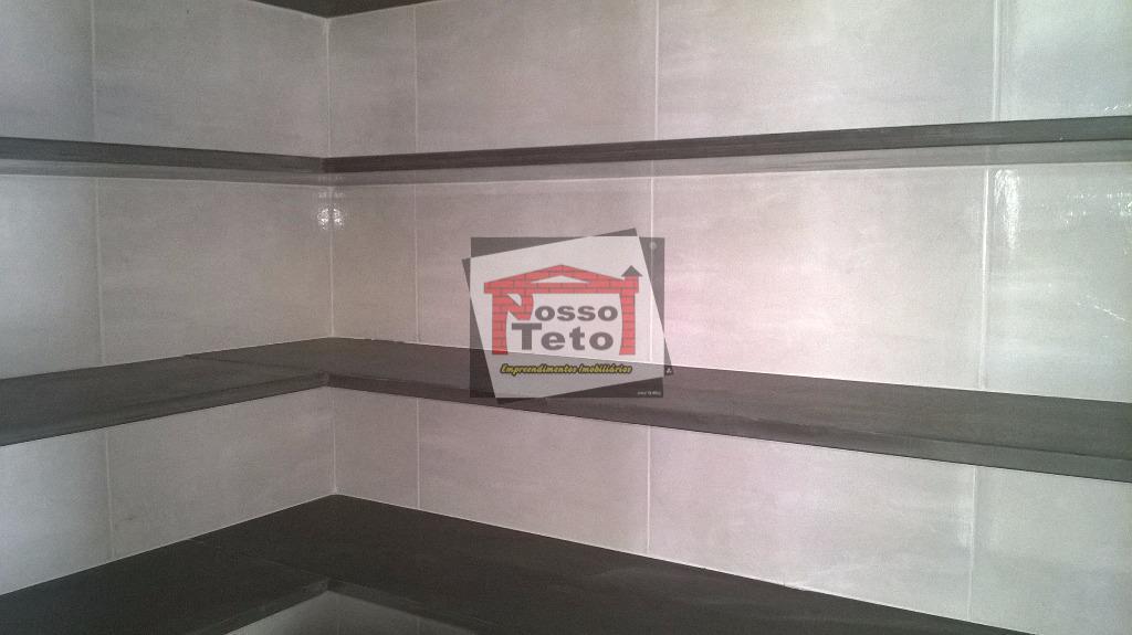 casa com 3 suítes (uma com closet) , sala 2 ambientes , lavabo ,copa-cozinha , despensa...