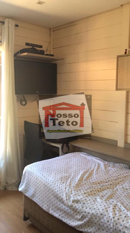casa em frente ao lago, com 03 dormitórios, sendo uma suíte com duas duchas, casa inteira...