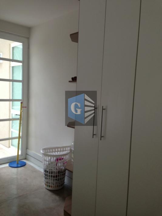 condomínio de alto nível, linda casa, vista verde, piso porcelanato, 2 salas, 4 quartos, 2 suítes...