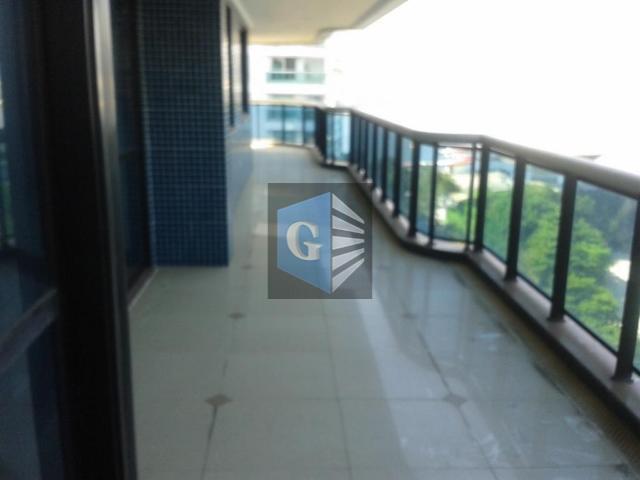 estonteante vista mar -fachada em granito-montado - piso porcelanato - varandão, salão - 4quartos- 4 suítes...